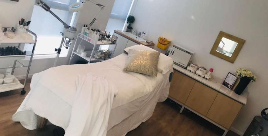 Body renewal paarl treatment room for body treatments